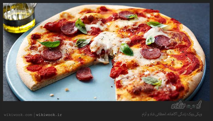 پیتزای مخلوط خانگی را چگونه درست کنیم؟ - ویکی ووک